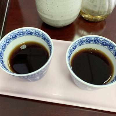 水出しとホットを冷ましたコーヒー